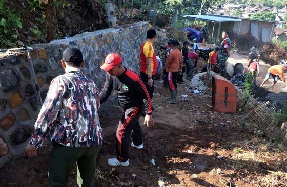 Pembangunan TPT di Desa Jembul