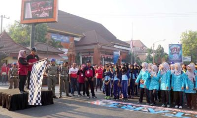 Walikota Mojokerto Berangkatkan 2.890 Peserta Gerak Jalan Pelajar 2019